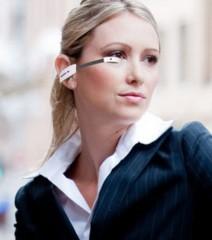 2013-les-produits-les-plus-originaux-l-oreillette-sans-fil-de-l-entreprise-vuzix-possede-un-ecran-integre-relie-au-smartphone-de-l-utilisateur_56912_w460.jpg